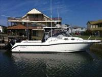 2006 Boston Whaler 305 CONQUEST Brand new Isenglas