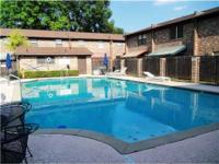 2 story townhouse-Broadmoor area by the duck pond &