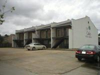 Description 18 unit office complex located off S.