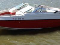 Selling my 1993 crownline 22.5 br it's red and white in