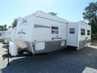 2006 Crossroads by Zinger 32' one owner, like brand
