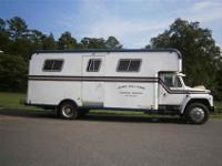 This is a 1986 International 6 Horse Van It is a 1900