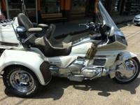 We have a 1990 Honda 1500 Goldwing Trike for sale. This