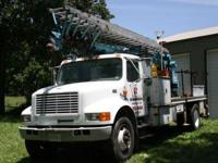 80' Skyhoist Crane/Ladder Truck with controls in the