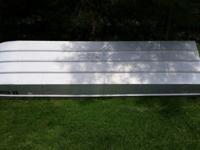 Smokercraft 12 foot aluminum Jon boat. Very good