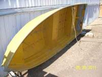 12ft aluminum boat with paddles and life jackets...HAS