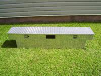 "1/2 WIDTH 12"" Aluminum Tool box. LIKE NEW CONDITION !!!"