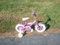Good girls bike. It has some rust spots. Call me after