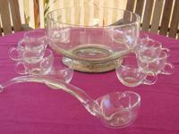 Vintage (1960?s) 12 piece punch bowl set includes