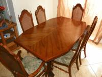 A Beautiful 12 Piece Solid Oak Dining Room Set / 6
