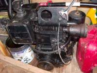 Up for sale is a 12 or 15hp sideshaft gas engine it was