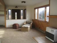 3 BR/2 BA Home on 1 acre w/ great views & lots of sun!