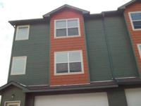 3BR /2.5Ba 1368ft2 townhouse  NICE END UNIT! 3BDRM