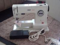 PFAFF 1222E Sewing Machine. Very Good condition with