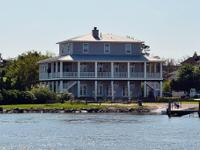 Remarkable Clear Lake Shores 4/5 Bedroom Custom