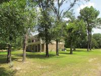 Great 3/2.5 / 2 brick home, on 1 acre, in a quiet
