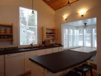 Willowview Cottage 2/bedroom 125.00 per night, 70.00