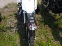 125cc dirt bike FC priced at $1099. Features include