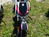 This 125cc dirt bike S priced at $999 features include