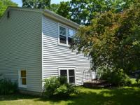 Nice single family rental close to Amherst Center and