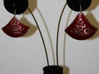 This listing is for a 12 pair of earrings. You will get