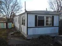 1970 12X46 mobile home 2 bedroom 1 bathroom Would make