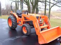"2005 KUBOTA L3130 TRACTOR WITH LOADER,,,,,72"" QUICK"