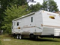?2008 sunny brook camper ,26ft sleeps 6, queen bed ,