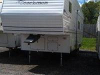28' Coachman 5th Wheel camper. One owner, very good