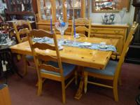 This listing is for this gorgeous Dining Room Set by