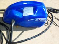{{Campbell Hausfield 1300-PSI. Pressure Washer}} - Runs