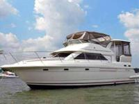 2001 Cruisers Yachts 3750 AFT CABIN * A NO EXCUSES VERY