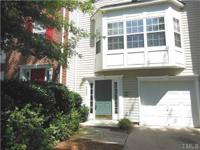 Beautiful townhouse ready to move in. Fresh paint and