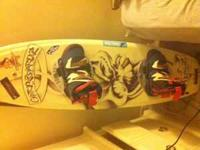 hi i am selling a 138 gatorboard pro model wakeboard.