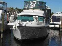 1995 Carver 44 AFT CABIN Carver 44 Aft Cabin great for