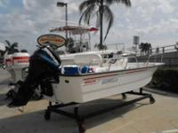2004 Boston Whaler 17 MONTAUK Nice clean 170 Montauk.