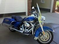 2009 HARLEY DAVIDSON ROAD KING WITH ONLY 1500 MILES ON