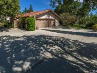 Stunning executive estate set high in Raymond Hills is