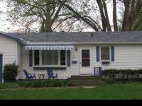 Open floor plan with spacious kitchen, gas stove and