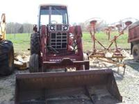 1486 International Tractor.Frontend Loader,Hay