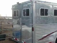 4 horse Featherlite horse trailer. It is in exceptional