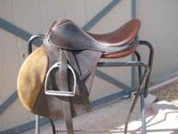 "15 1/2"" Avante all purpose English saddle. Good"