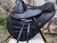 "15.5"" Black Torsion Leather Treeless Endurance Saddle"