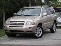 This 2007 Toyota Highlander 4dr Hybrid 4x4 SUV features