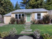Wonderful Heather Gardens 2BD/1BA home. Great location