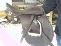 All purpose hunt saddle, barely used. Made by Arcaros.