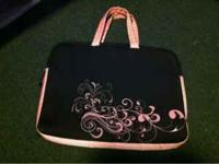 "15"" laptop case great condition. Has a pocket for the"