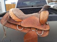 "‎15"" saddle , no brand on it . i believe its a semi"