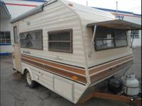 Hard to Find 1986 15' Shasta with full bathroom . Lots