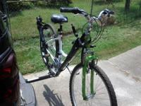 "15"" Serene Classic Diamondback women's mountain bike."